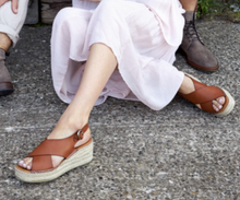Load image into Gallery viewer, ORCHID CROSS Tan Espadrille Platform Sandal