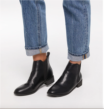 Load image into Gallery viewer, JOLIETTE Vegan Black Flat Boot