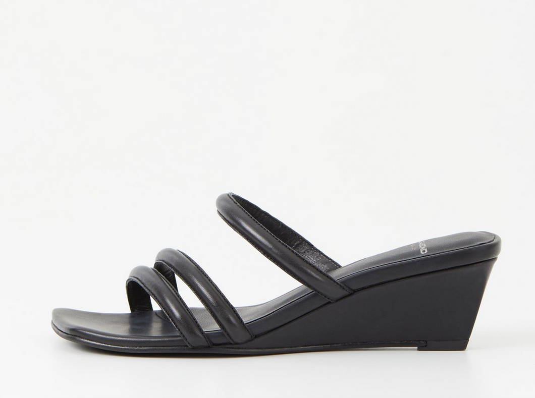 NELLIE Black Leather Heeled Sandal