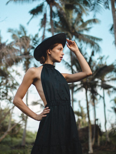 Annely Backless Dress in Black - l u • c i e e