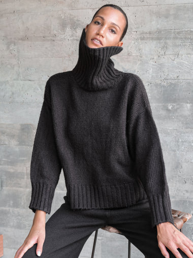 Berner Neck Sweater in Black - l u • c i e e