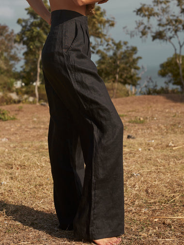 Linen Pleat Pant in Black - l u • c i e e
