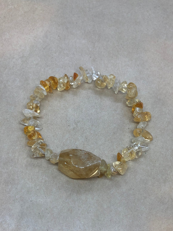 Citrine Crystal Chips Beaded Bracelet with Faceted Citrine Centrepiece