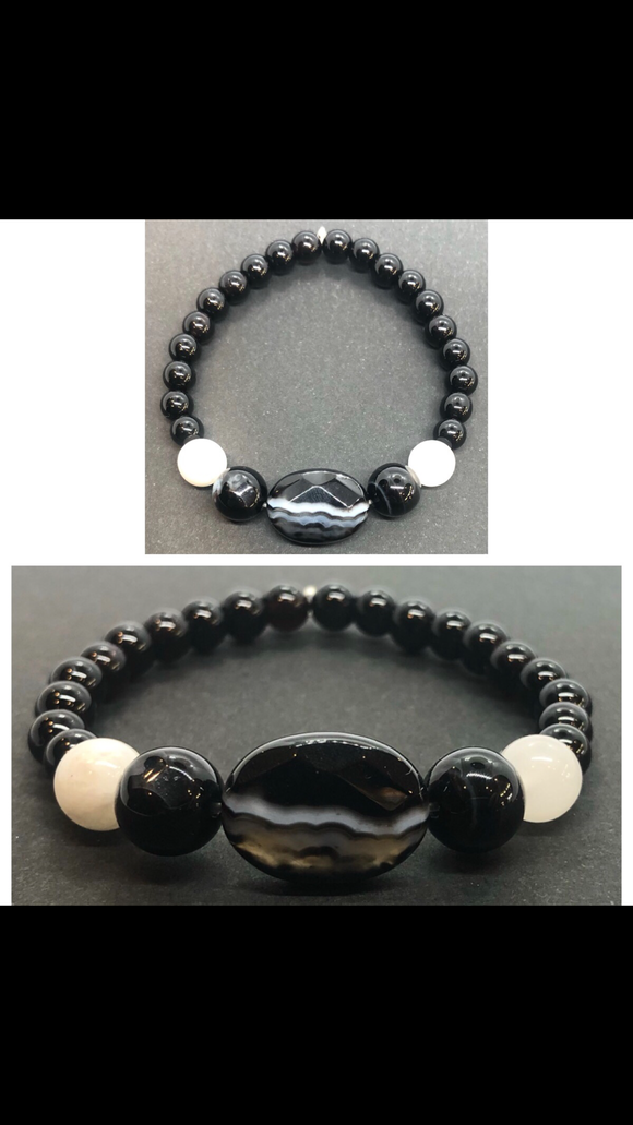 Black Obsidian Crystal Beaded Bracelet with Agate Centrepiece