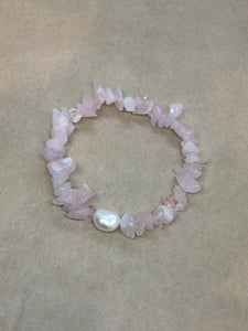 Rose Quartz Crystal Beaded Bracelet with Pearl Centrepiece