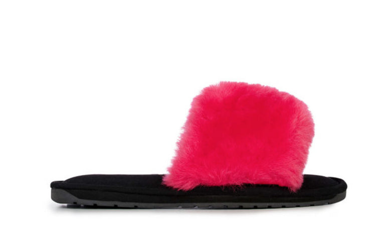 EMU Wrenlette Solid Slippers in Fuschia