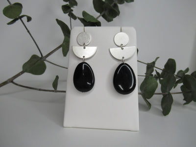 Envy Jewellery Black Pendant Drop Sliver Earrings