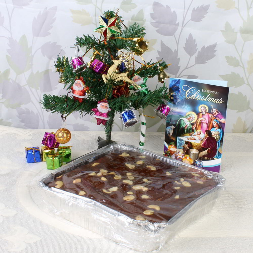 CAKE AND DECORATIVE TREE WITH CARD