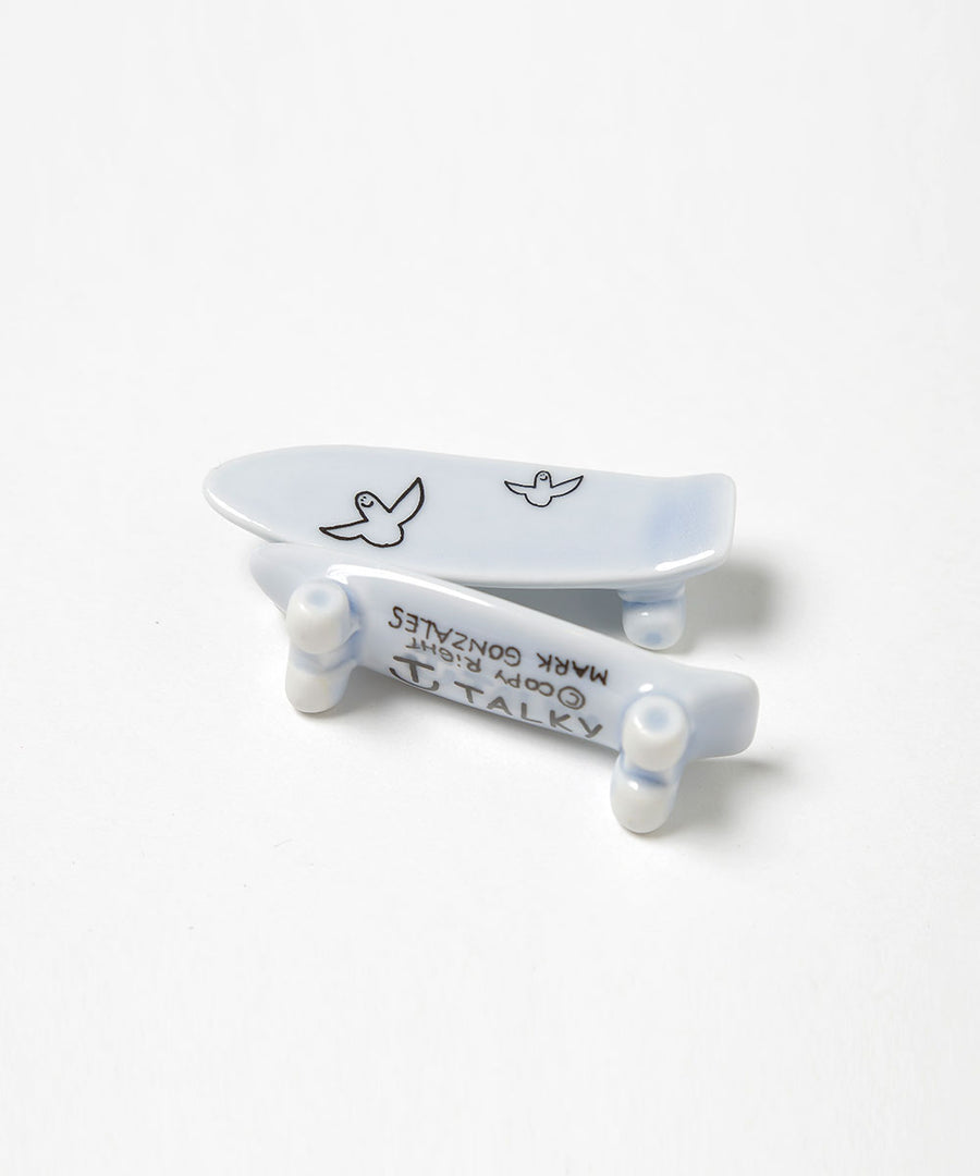 Mark Gonzales / skate board chopstick rest