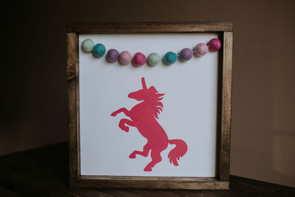 Unicorn With Garland - Wood Sign