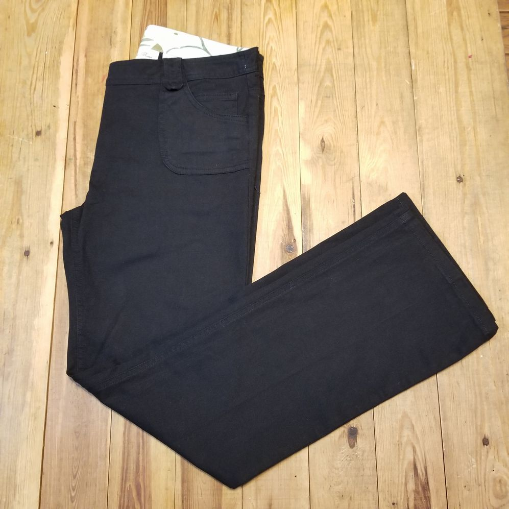 I.Q. Authentic Brand Size 9 Pants