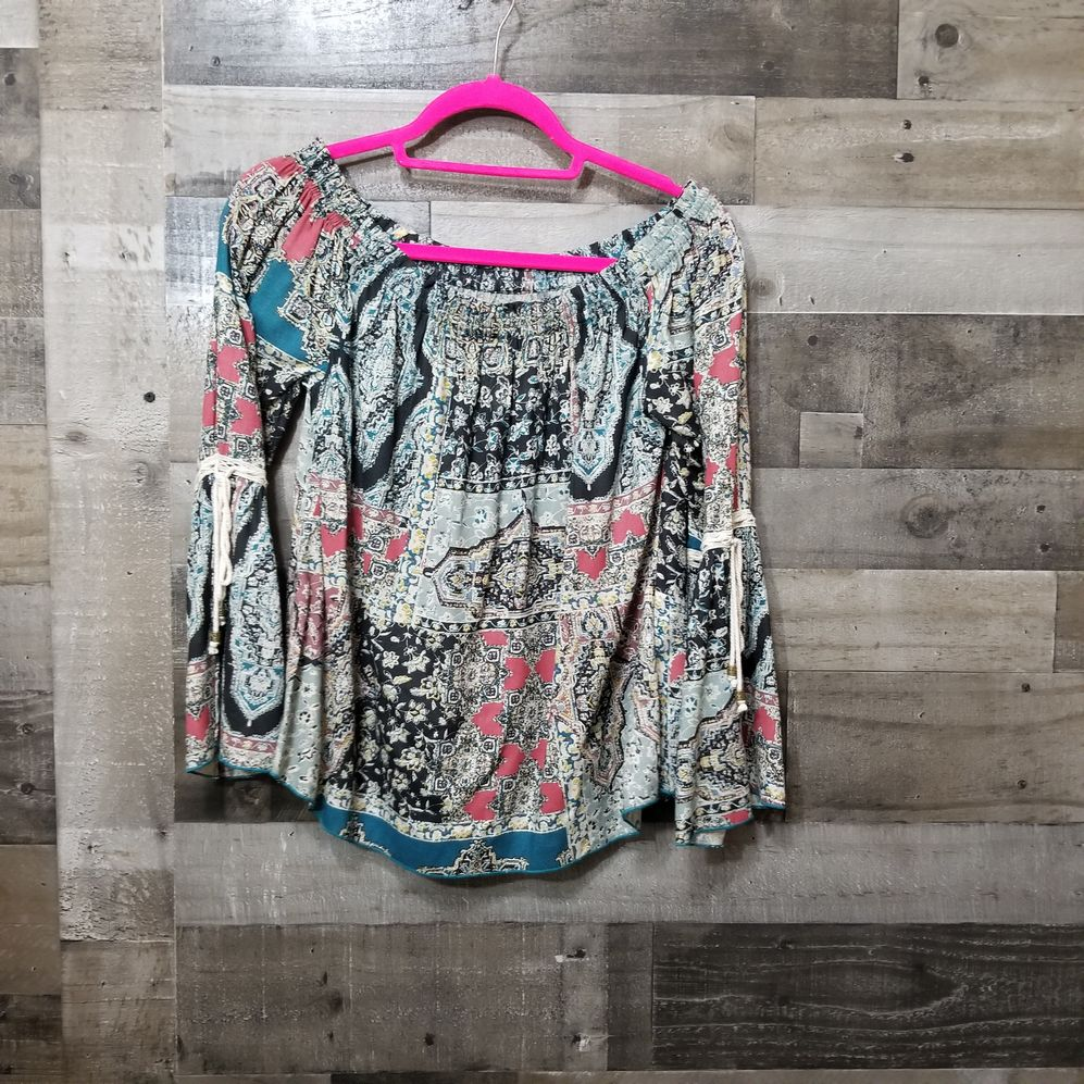 Oneil Size Small Blouse