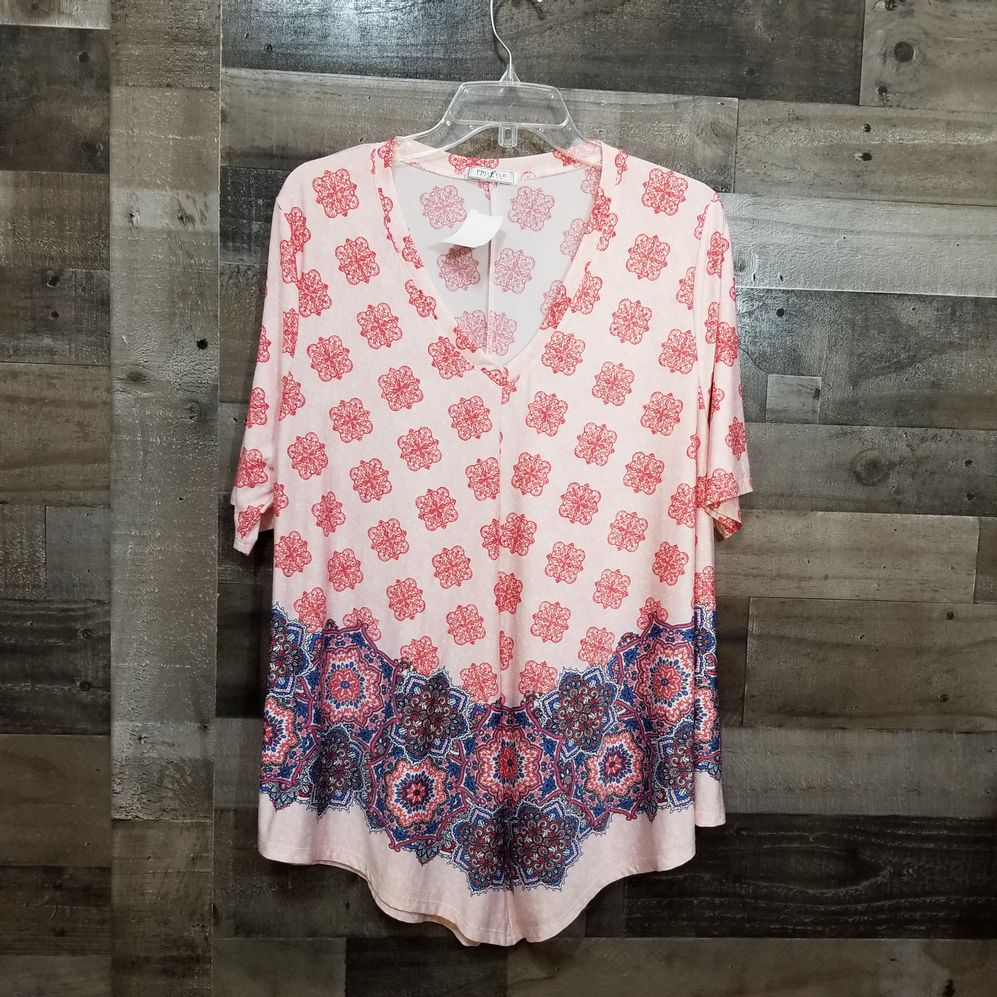 Profile Apparel Size 2X Blouse