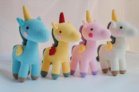 collection peluches licornes crochets amigurumi