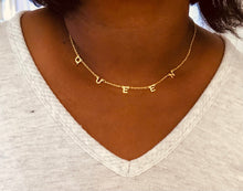 Load image into Gallery viewer, Queen Minimalist Necklace