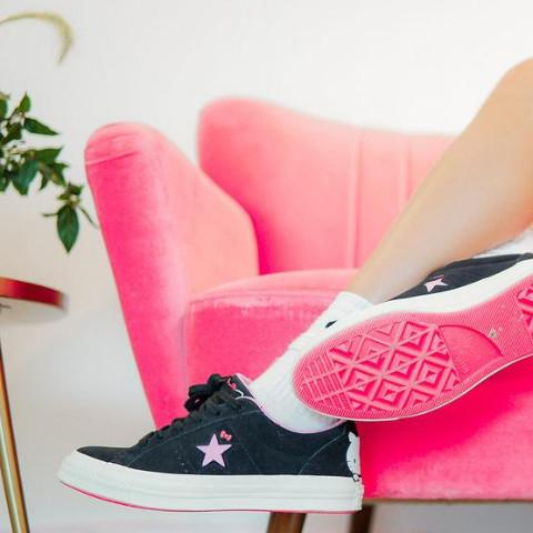 "Hello Kitty x  One Star Suede OX Top "" Black/Pink"""