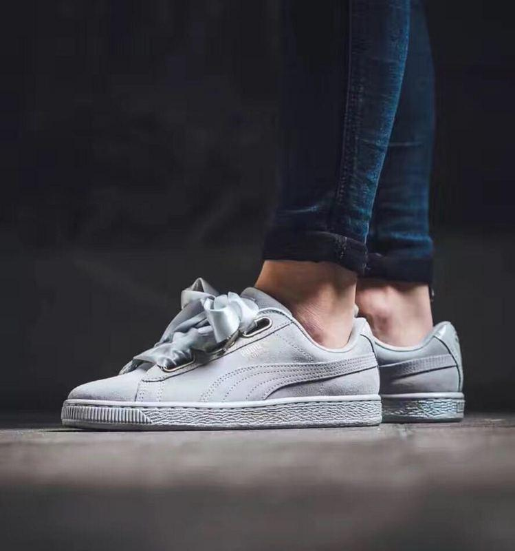 new concept 1eaef d4268 Puma Suede Heart Satin