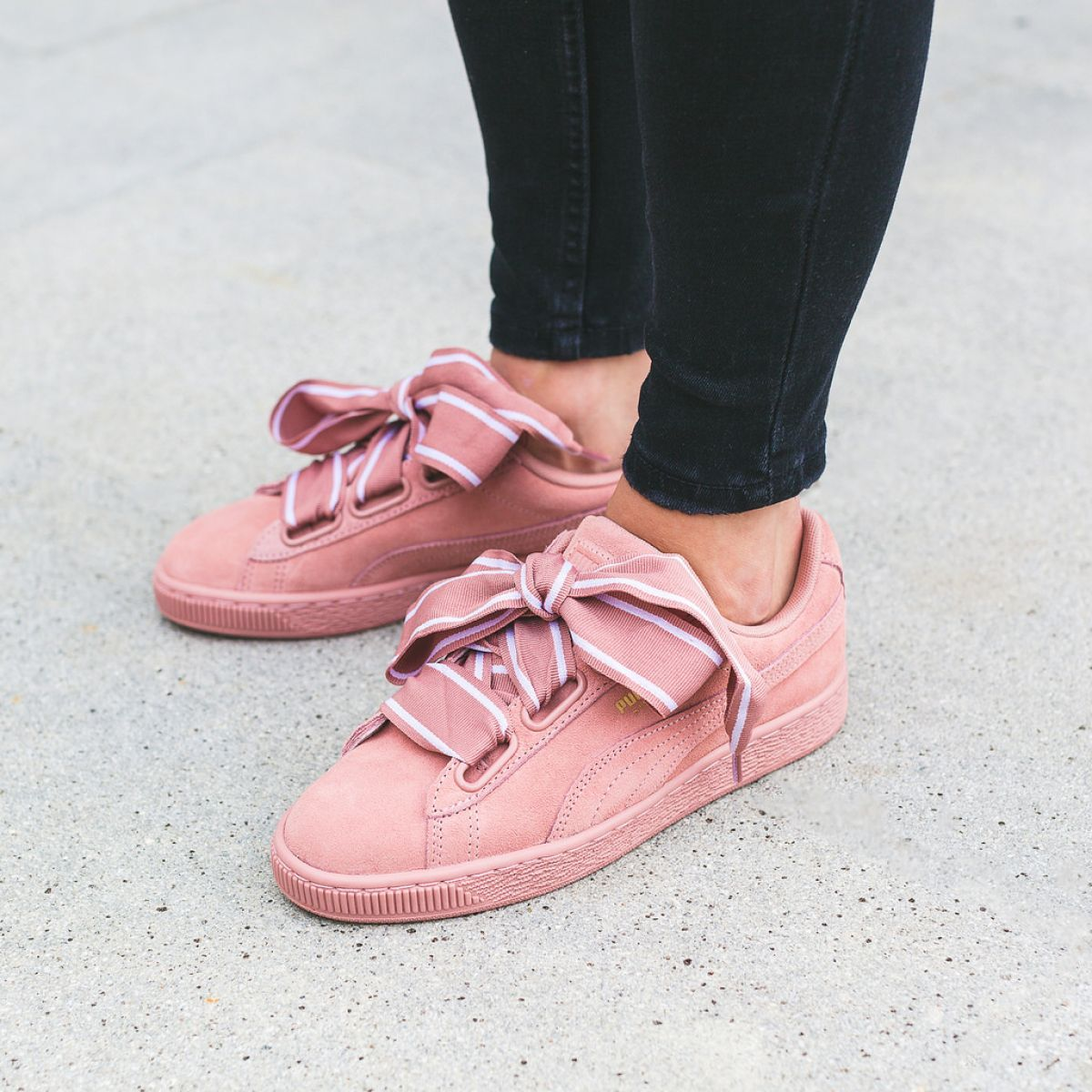 Puma Suede Heart Satin W chaussures rose