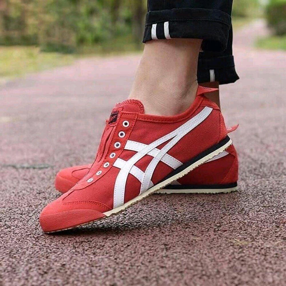 big sale 86f40 21648 Onitsuka Tiger Mexico 66 Slip On Red Black