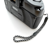 Load image into Gallery viewer, Paracord Camera Wrist Strap (Black&White)