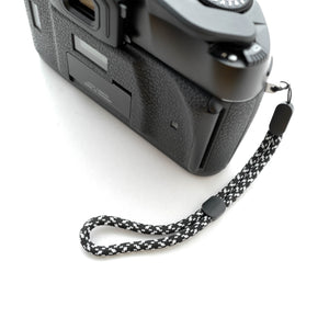 Paracord Camera Wrist Strap (Black&White)