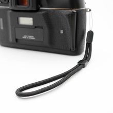 Load image into Gallery viewer, Paracord Camera Wrist Strap (Black)
