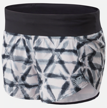 "Load image into Gallery viewer, Women's Print Impact 3"" Shorts"