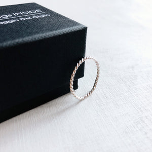 MINIMALsilver RING - OP MAAT – twisted ring 925zilver