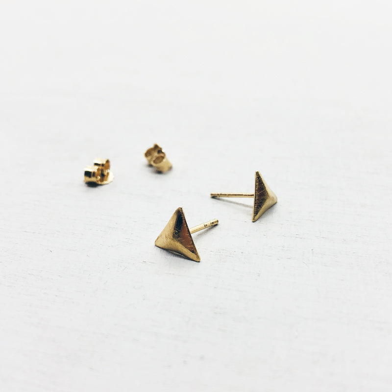 BASIC - oorbellen - pyramid ° MINI'S - 18kt verguld