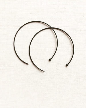 ° brass.LINE, oorbellen - draadoorbellen, wired hoops ° BLACK