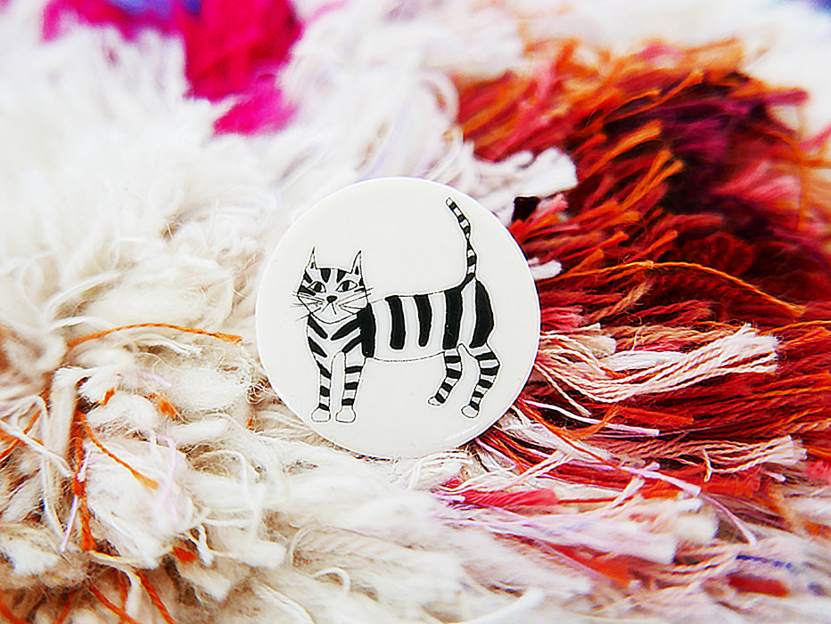 STORIES - broche - cat  |  somethingsINSIDE x helenb  |  LAATSTE STUKS - limited edition