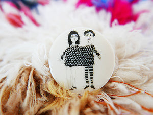 STORIES - broche - happy together  |  somethingsINSIDE x helenb  |  LAATSTE STUKS - limited edition