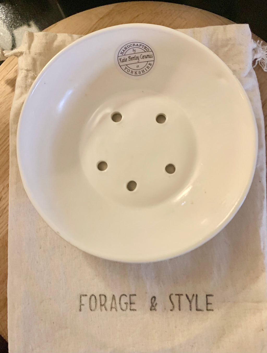 Ceramic Shallow Soap Dish HANDMADE (2 COLOURS)