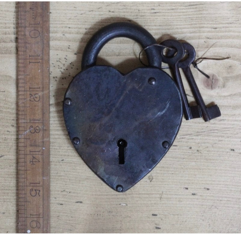 Antique Iron Heart Padlock