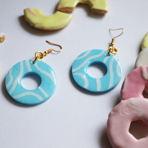 Glossy Sugar Rings in 'Blue Raspberry'