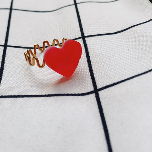 Frosted Heart Wiggle Ring