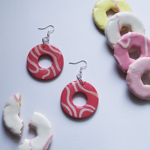 Glossy Sugar Rings in 'Frosting'