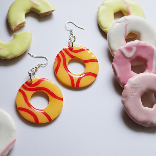 Glossy Sugar Rings in 'Lemon Twist'