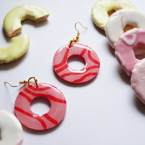 Glossy Sugar Rings in 'Strawberry'