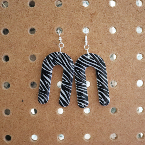 Zebra Print U-Shapes