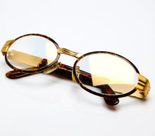 CB F165 24 Special Edition Flash Gold Thumbnail, CB, glasses frames, eyeglasses online, eyeglass frames, mens glasses, womens glasses, buy glasses online, designer eyeglasses, vintage sunglasses, retro sunglasses, vintage glasses, sunglass, eyeglass, glasses, lens, vintage frames company, vf