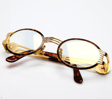 CB F173 24 Special Edition Flash Gold Thumbnail, CB, glasses frames, eyeglasses online, eyeglass frames, mens glasses, womens glasses, buy glasses online, designer eyeglasses, vintage sunglasses, retro sunglasses, vintage glasses, sunglass, eyeglass, glasses, lens, vintage frames company, vf