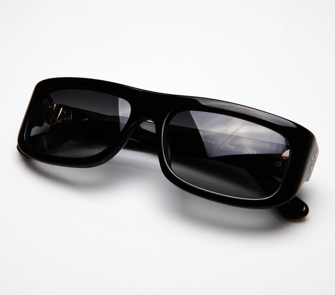 Oliver Goldsmith Black OMY