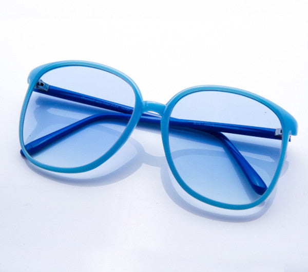 Bella (Light Blue Gradient Flat Lens) thumbnail, VF by Vintage Frames, vintage frames, vintage frame, vintage sunglasses, vintage glasses, retro sunglasses, retro glasses, vintage glasses, vintage designer sunglasses, vintage design glasses, eyeglass frames, glasses frames, sunglass frames, sunglass, eyeglass, glasses, lens, jewelry, vintage frames company, vf
