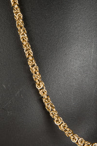 Vintage Givenchy GIV-031 Chain Closeup