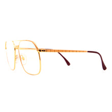 Vintage Hilton Class 10 995 (Multi Flash) Side, Hilton, glasses frames, eyeglasses online, eyeglass frames, mens glasses, womens glasses, buy glasses online, designer eyeglasses, vintage sunglasses, retro sunglasses, vintage glasses, sunglass, eyeglass, glasses, lens, vintage frames company, vf