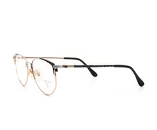 Valentino 5225 F-TITAN Side, Valentino, glasses frames, eyeglasses online, eyeglass frames, mens glasses, womens glasses, buy glasses online, designer eyeglasses, vintage sunglasses, retro sunglasses, vintage glasses, sunglass, eyeglass, glasses, lens, vintage frames company, vf