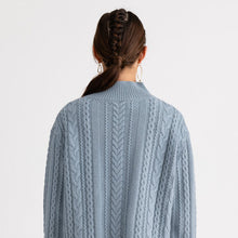 Load image into Gallery viewer, Ladies Pure Blue Fashion Simple Knitwear YJ46