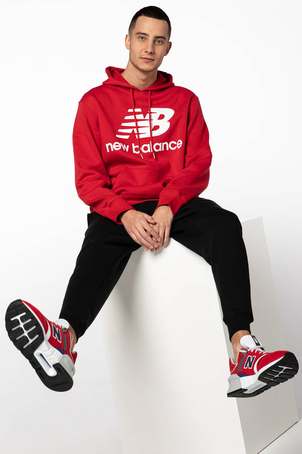 #00045  New Balance oblečení, mikina ESSENTIALS STACKED LOGO PO HOODIE NBMT03578REP RED