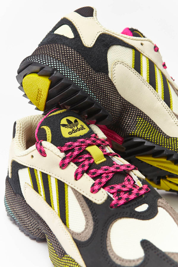 #00111  adidas obuv, tenisky YUNG-1 338 SAND/CORE BLACK/SHOCK PINK